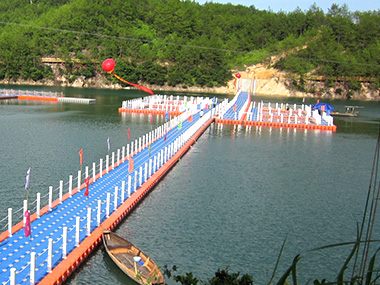 Floating Bridge in Zhejiang