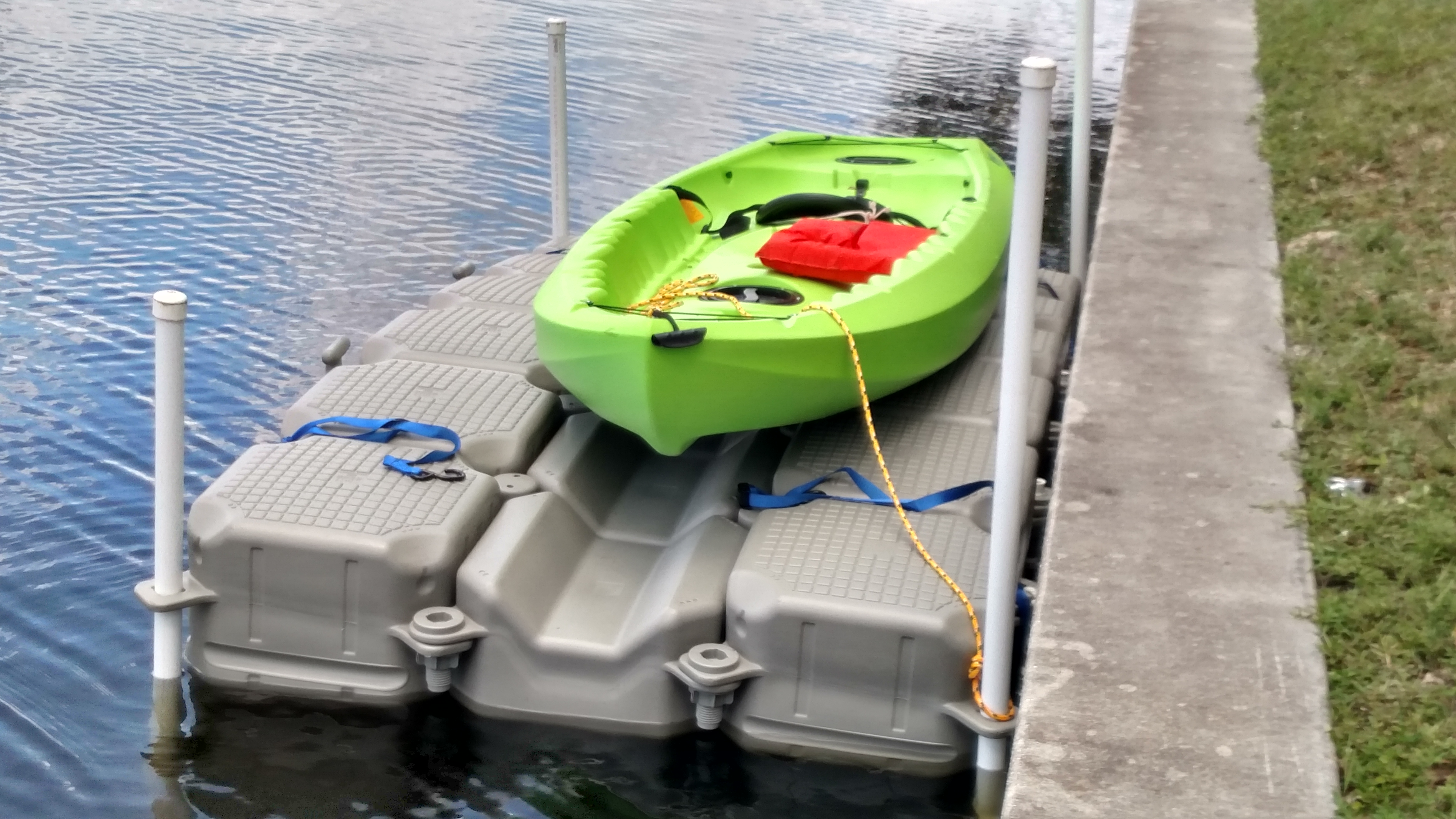 Kayak dock