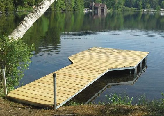 aluminum and wooden floating dock