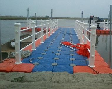 Lake floating dock