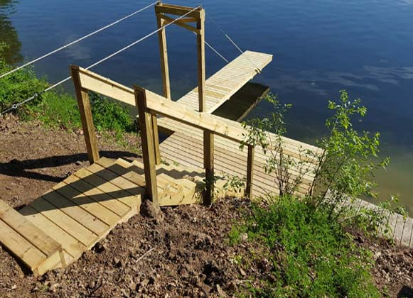A wooden suspension dock